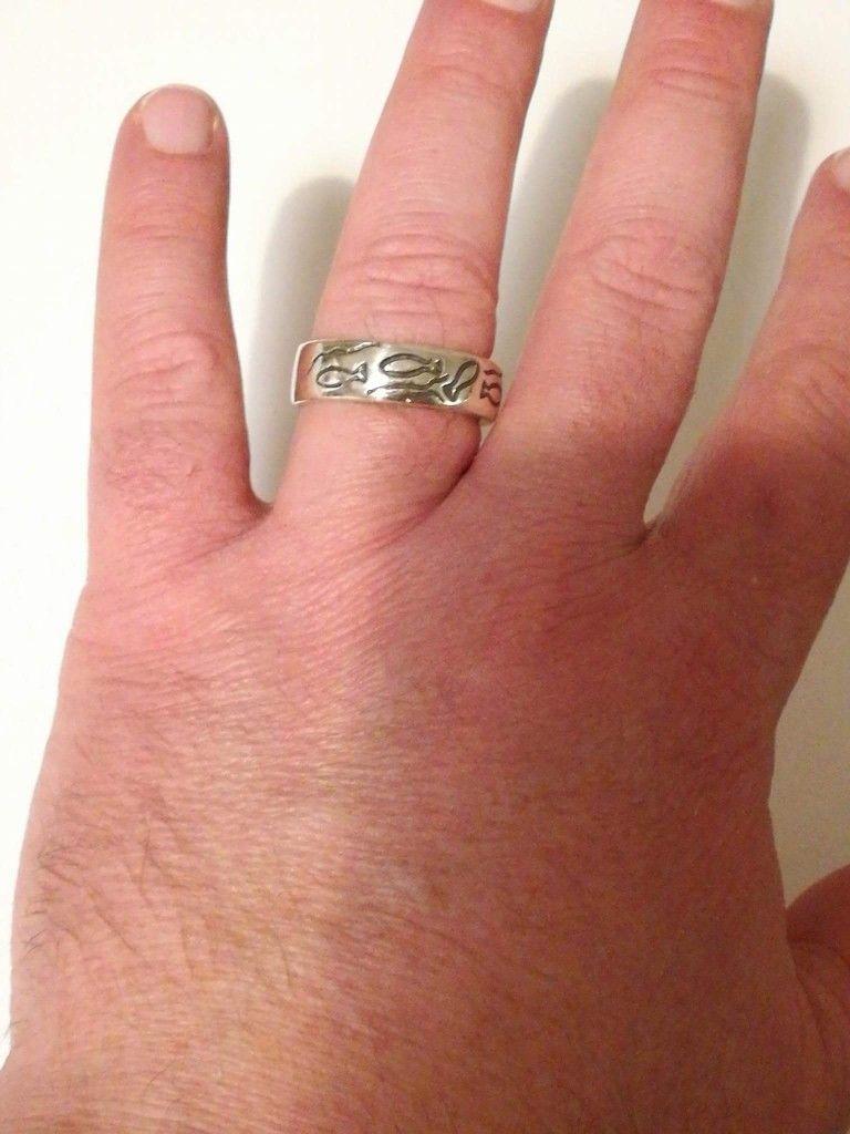 Bred sølvring med fiske motiv. 420 kr. | Vikinge fingerringe i sølv ...