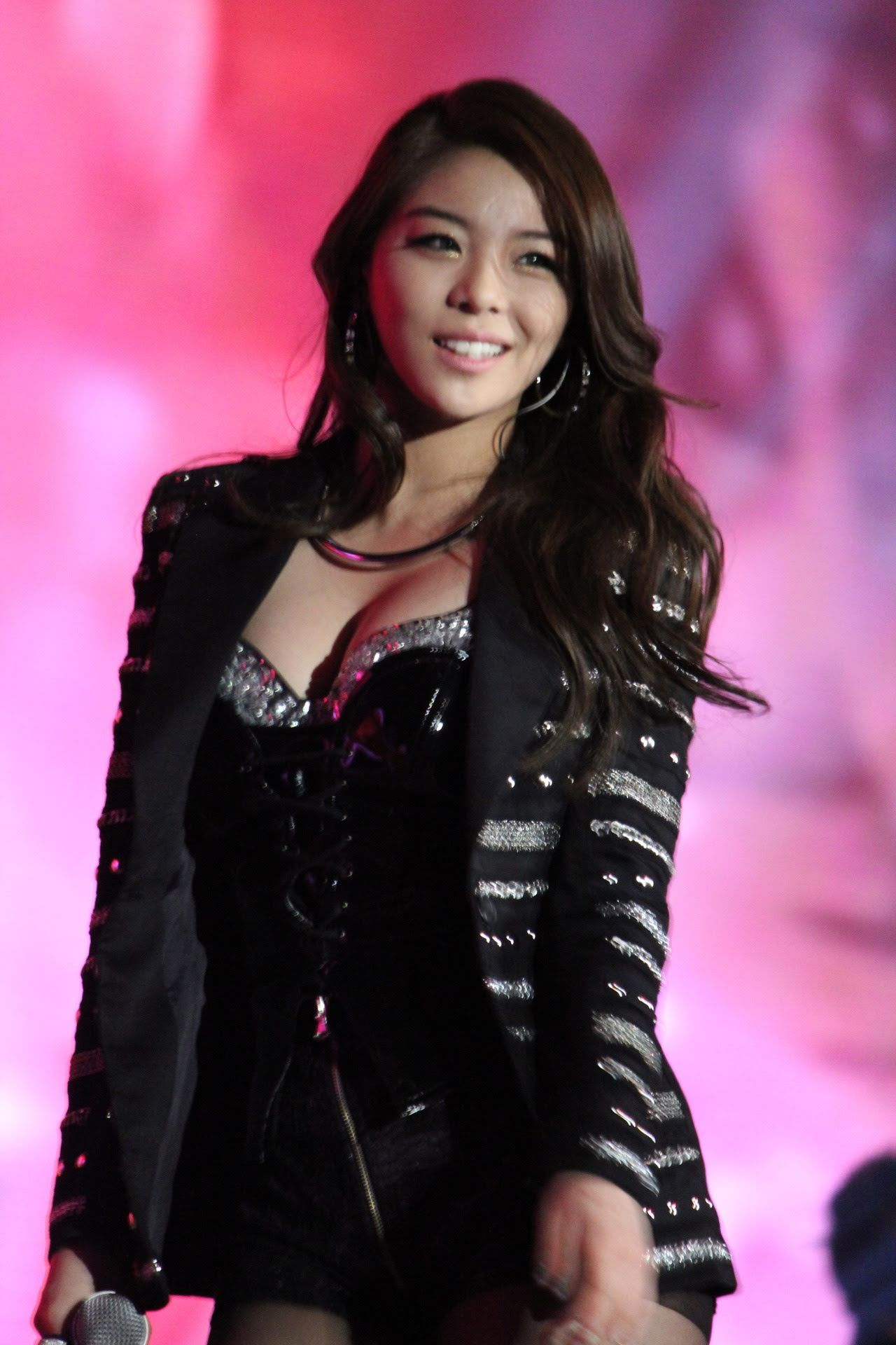 These 13 Korean Idols Are So Voluptuous It S Kind Of Ridiculous Korean Idol Ailee Kpop Girls