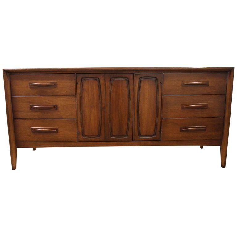 Broyhill Walnut Emphasis Mid Century Modern American Credenza Broyhill 9 Drawer Dresser Midcentury Modern