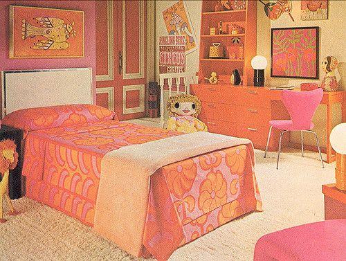 pinkorangebedroomjpg Family circle, Bedrooms and Retro room