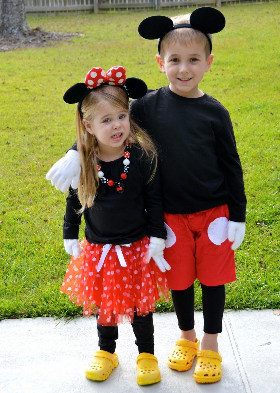 Mickey Mouse Crew Family Costume | Halloween costume contest ...