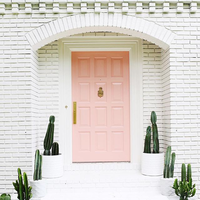 I want to marry this entryway! This paint job is both Jeremy's and my favorite renovation update so far. #TheLarsonHouse