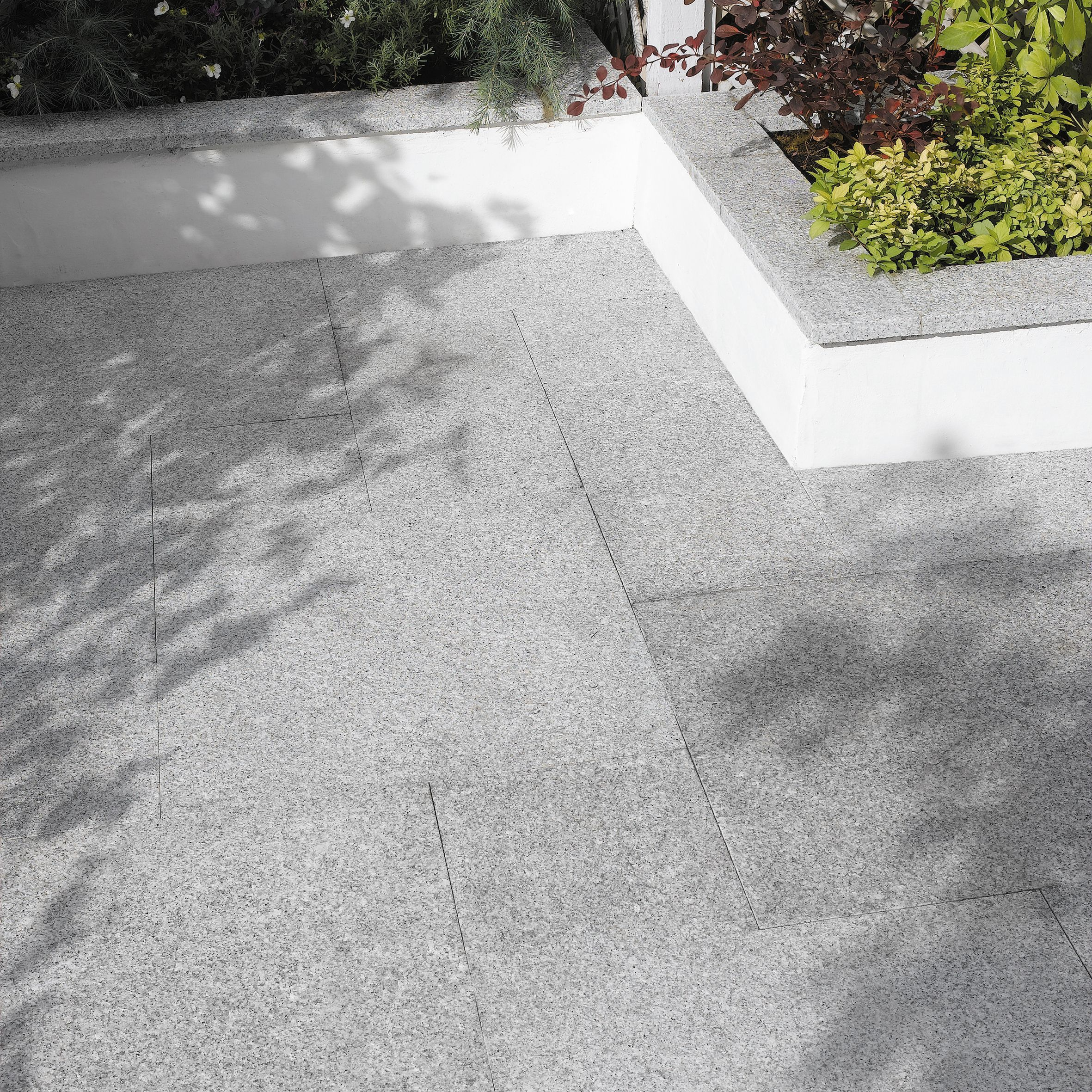 Mid Grey Natural Granite Paving Slab (L)300mm (W)300mm, 7.20 m² ...