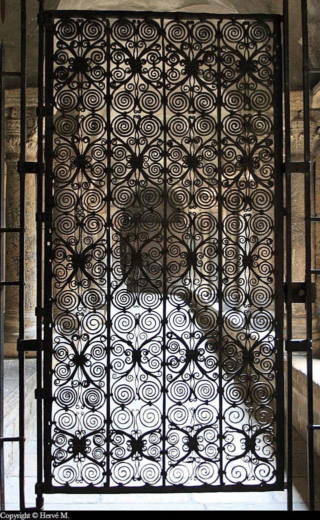 Grille En Fer Forge Du Cloitre De La Cathedrale Du Puy En Velay