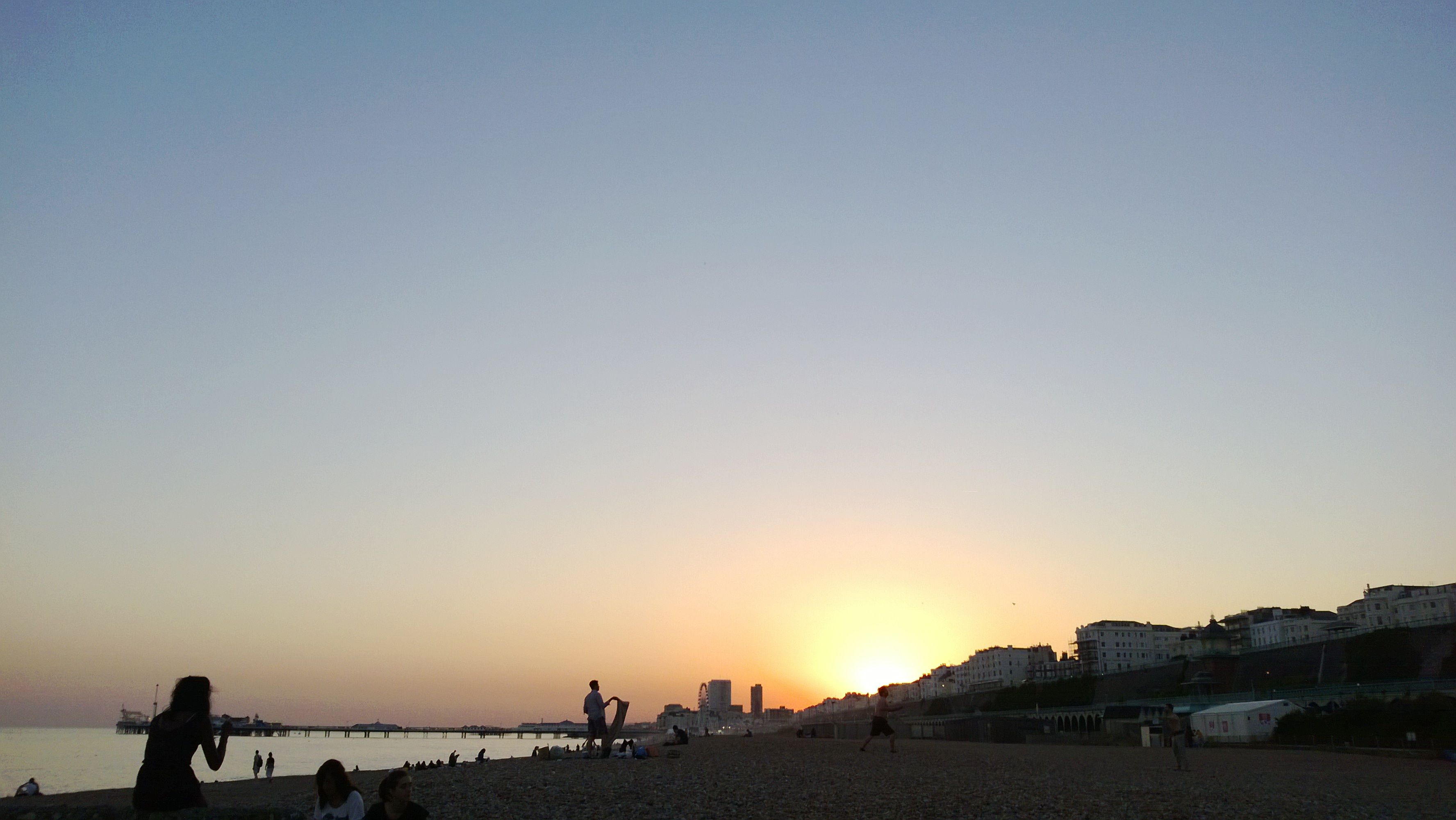 romantic sunset, Brighton beach, barbecue :*