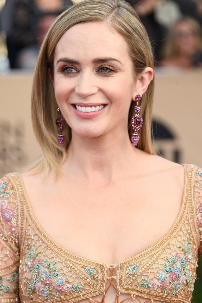 Emily Blunt Photostream | Emily blunt, Becoming an
