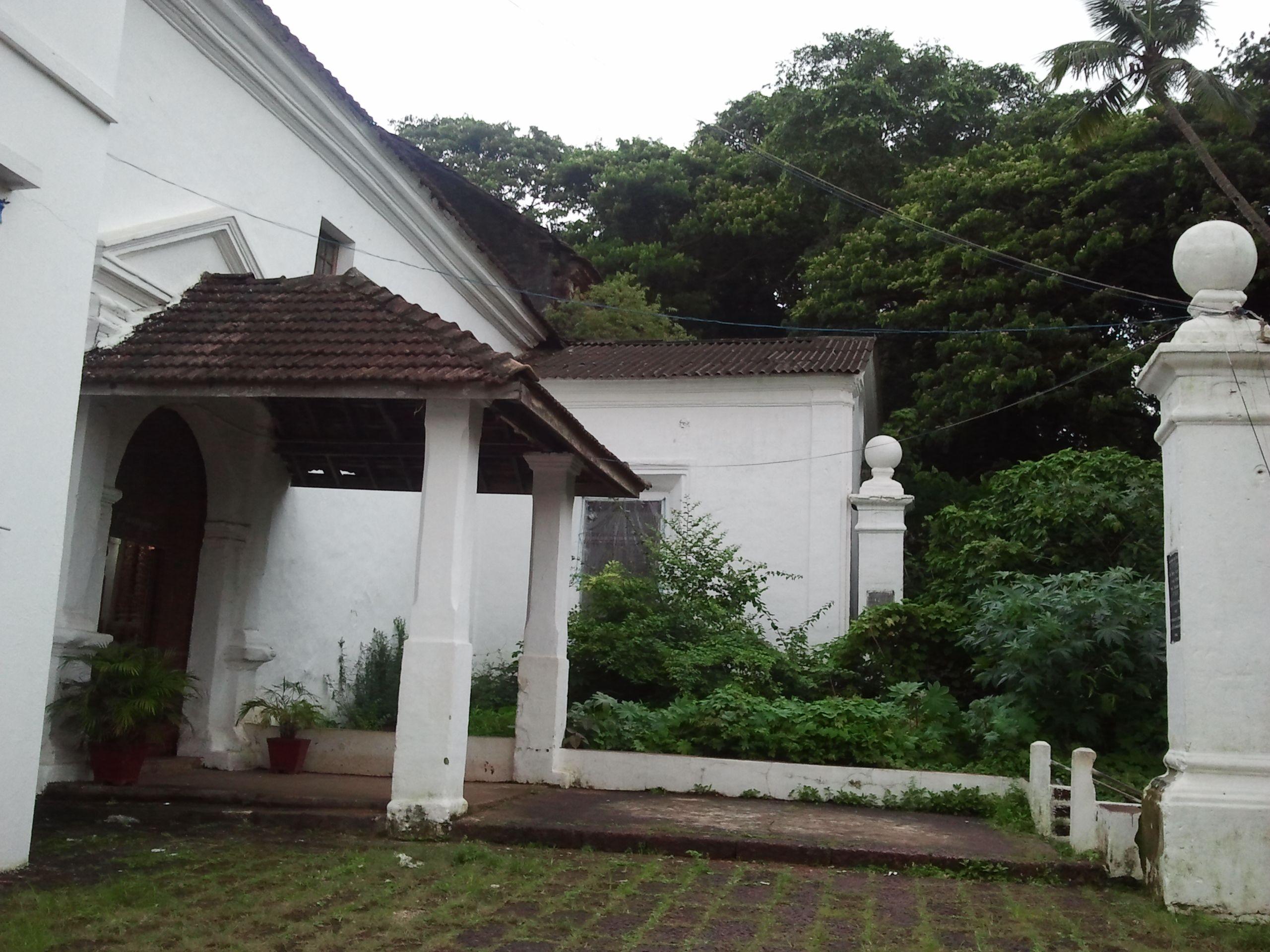 Panjim Church - side entrance
