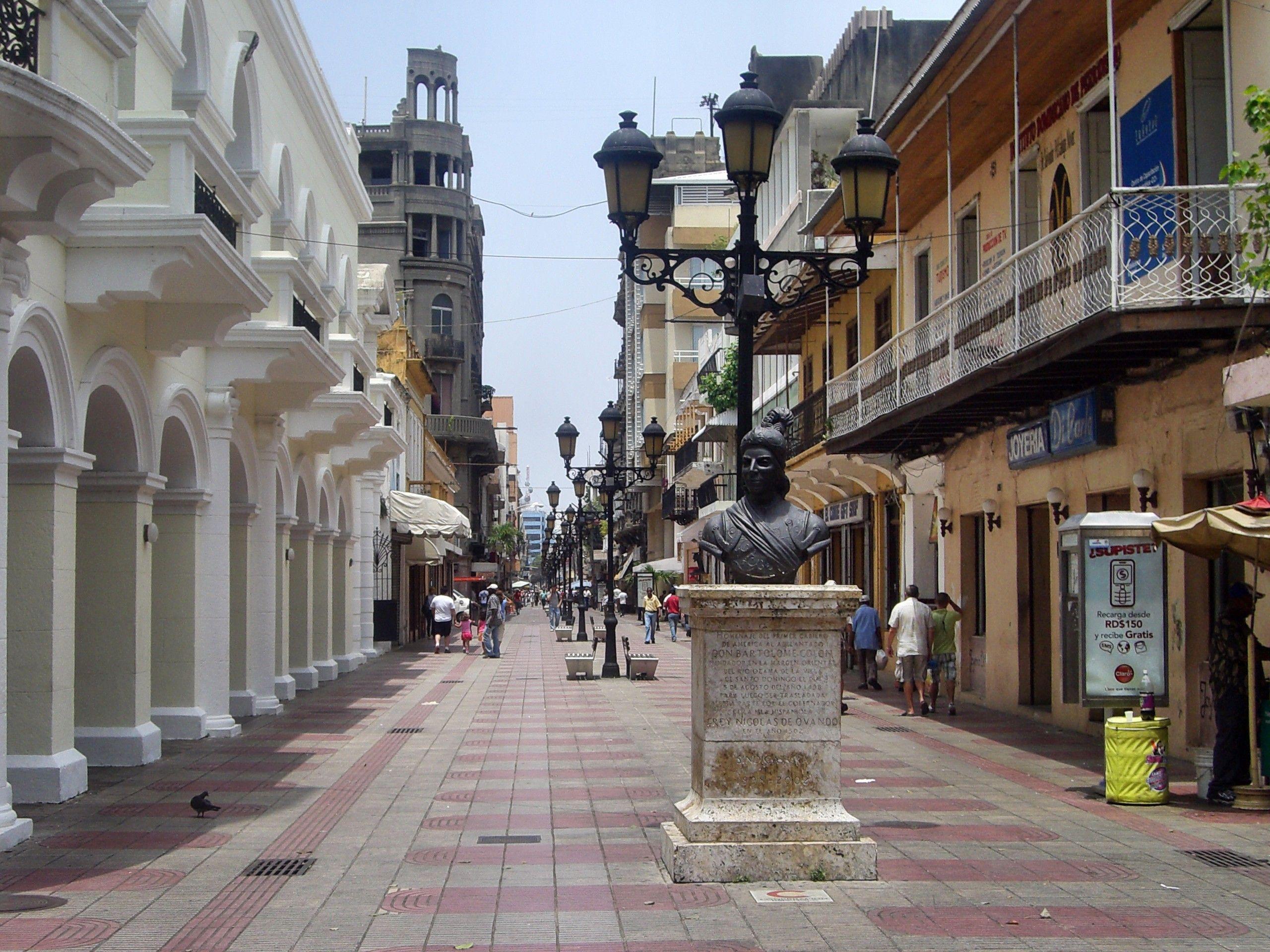 El CONDE Más antiguo calle en Santo Domingo y un buen