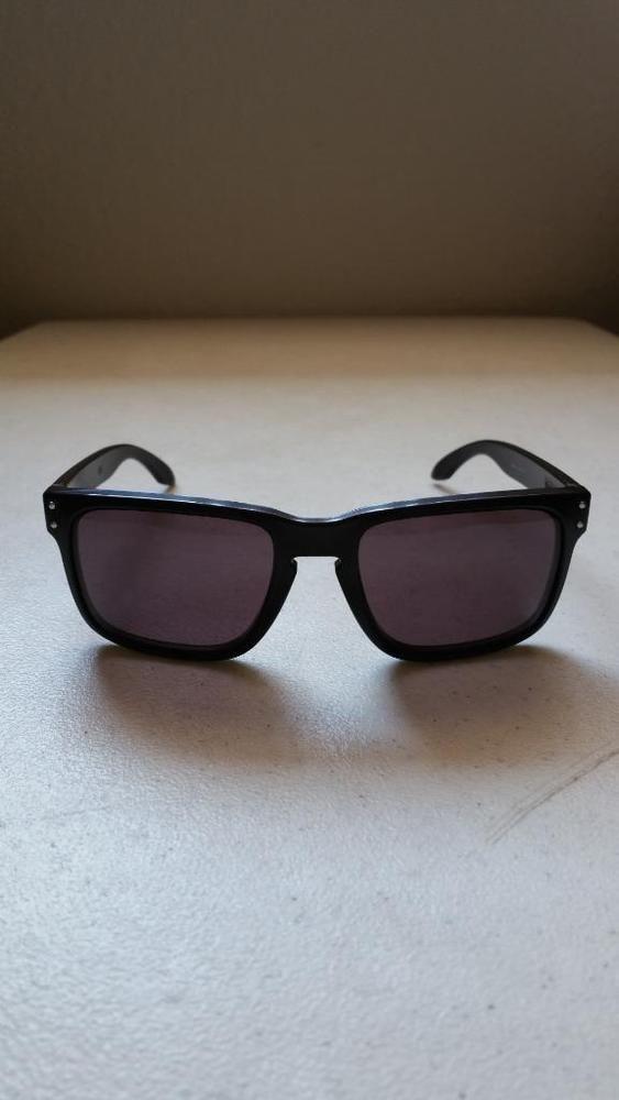 $49.95 Used Oakley Holbrook 9102-01 Matte Black Frame Black Lens ...