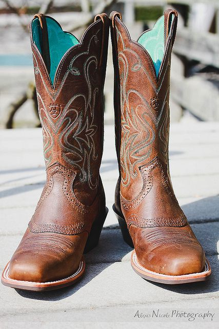 d8276e2eefe Square Toe Ariats (gotta be a REAL cowgirl to wear square toes ...