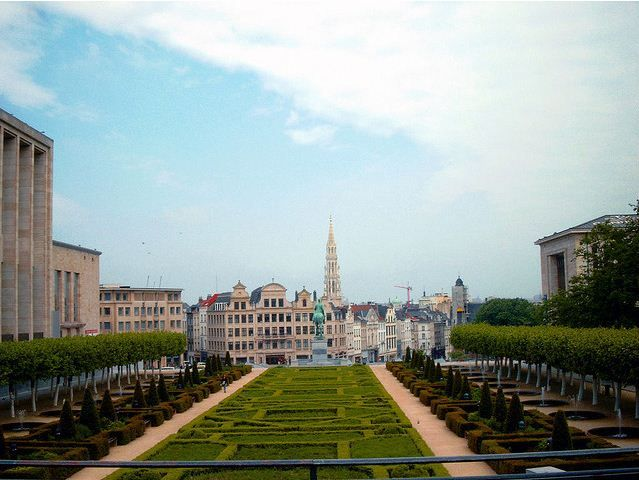 Secret in our City: the view from Mont des Arts    You'll need to walk a few stairs, but the result is worth it: a spectacular view on the most beautiful piece from the city. #brussels #view #kunstberg #montdesarts