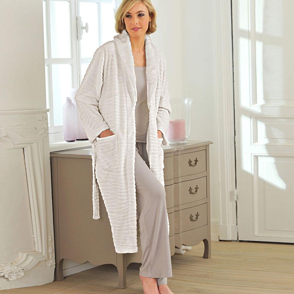 Robe de chambre blanche porte femme