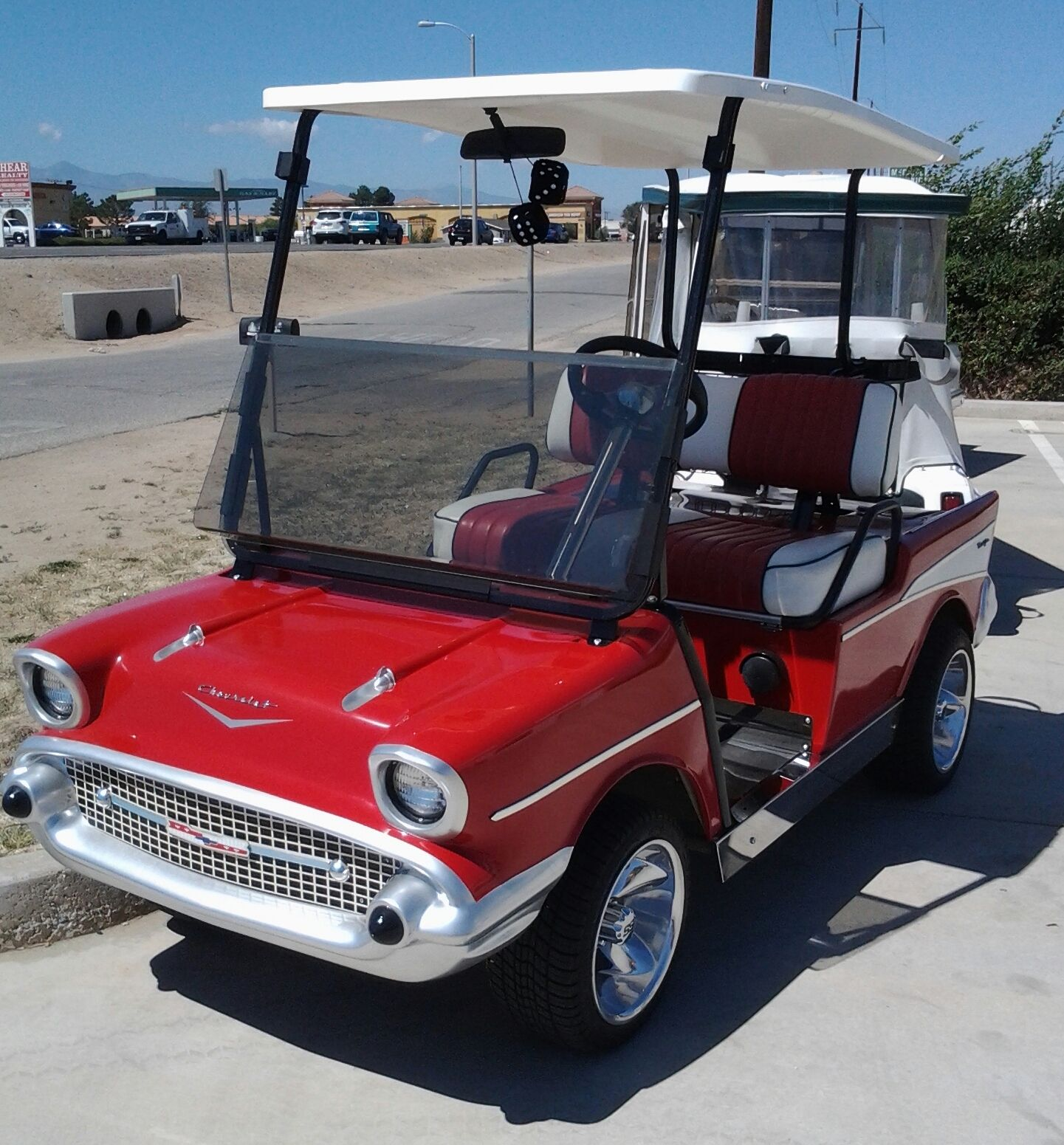 57 Chevy Golf Cart Bulit By Lifestyle Custom Carts In Victorville Ca Golf Carts Chevy Golf