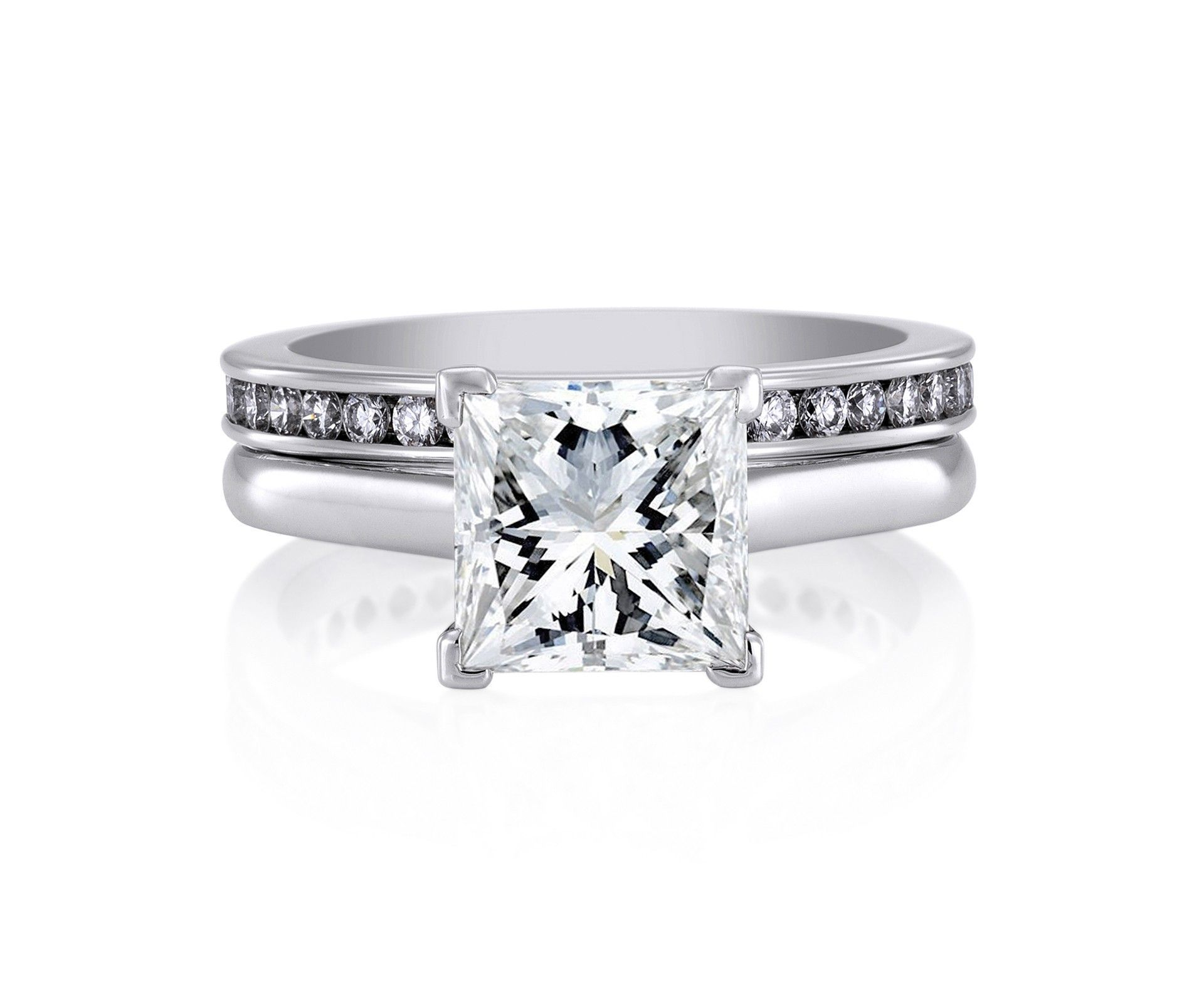 DB Classic Platinum Princess Cut Solitaire Engagement Ring De
