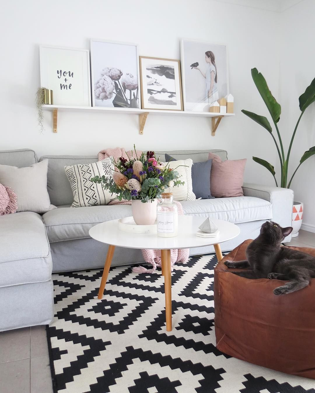 Living Spaces, Living Rooms, Instagram Images, Room Decor, Comment, Ps,  Interior Stylist, Lounge Ideas, Calming