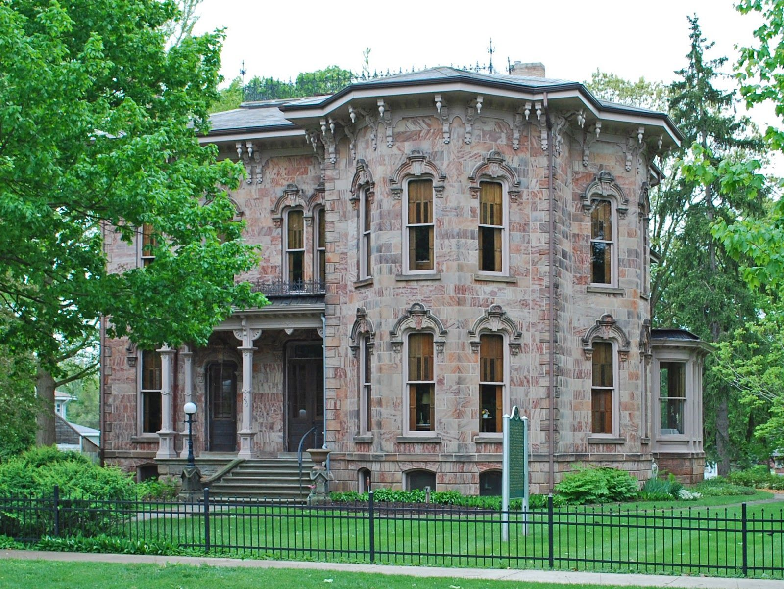 The Picturesque Style Italianate Architecture La Palistina The John C Blanchard House I National Register Of Historic Places House Styles Abandoned Houses