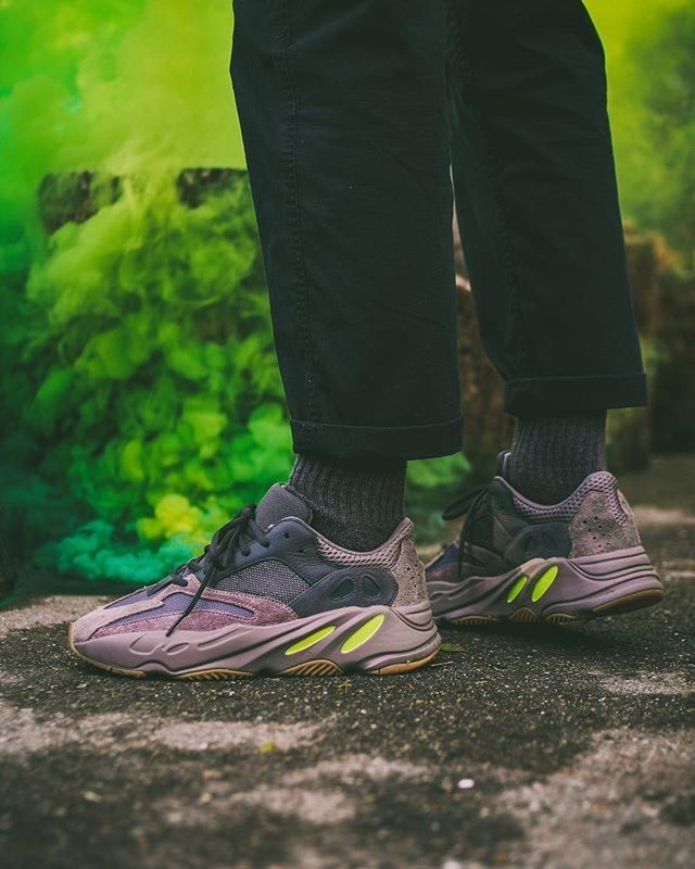 adidas yeezy 700 mauve outfit