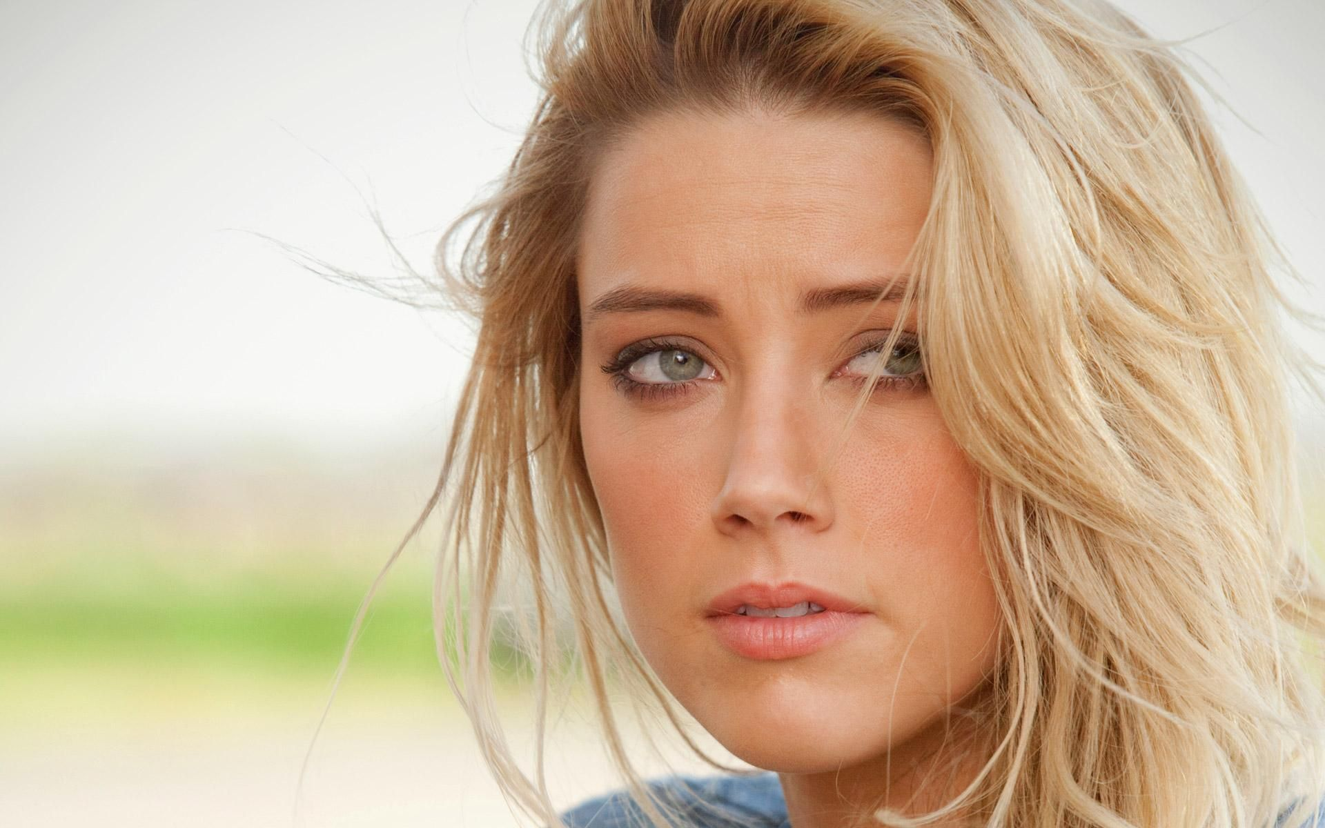 Amber Heard 17 best ideas about Amber Heard Wallpaper on Pinterest   Amber heard images, Amber heard hot and Amber heard zombieland