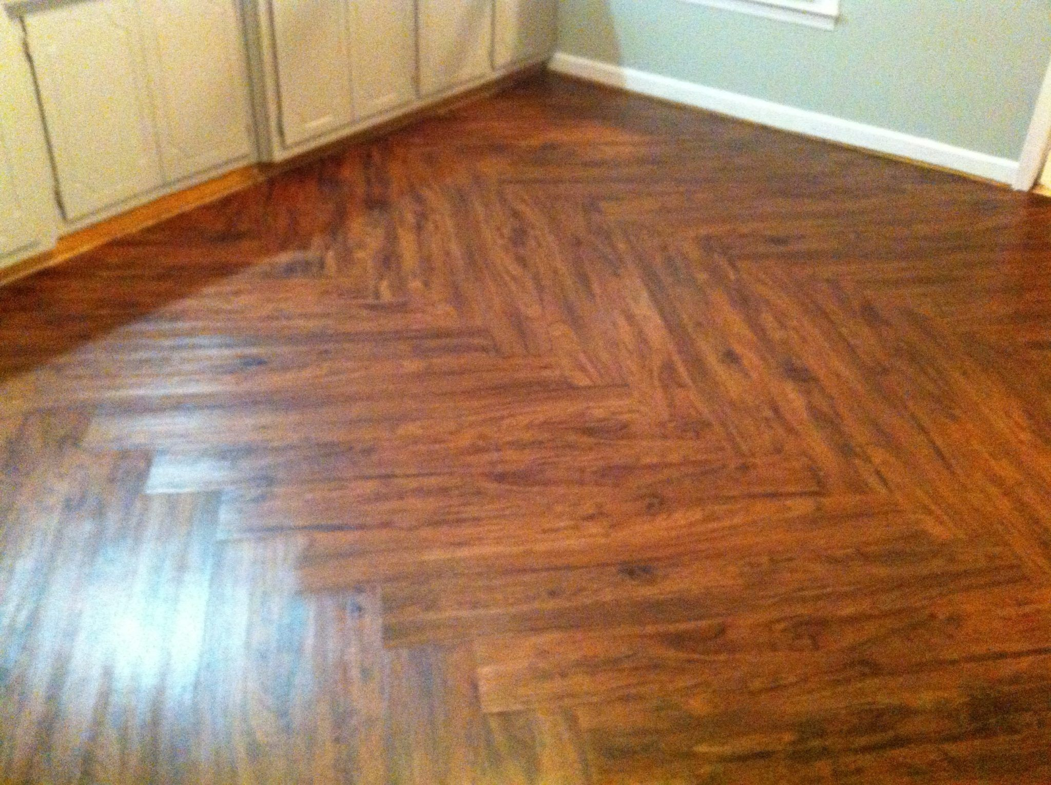 Vinyl wood plank flooring for durable and beautiful floors for Vinyl hardwood flooring