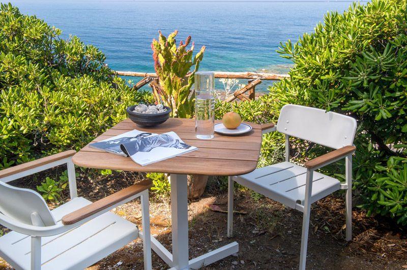 Mobilier Outdoor : Salon de jardin en teck et alu verni Shine by Emu ...