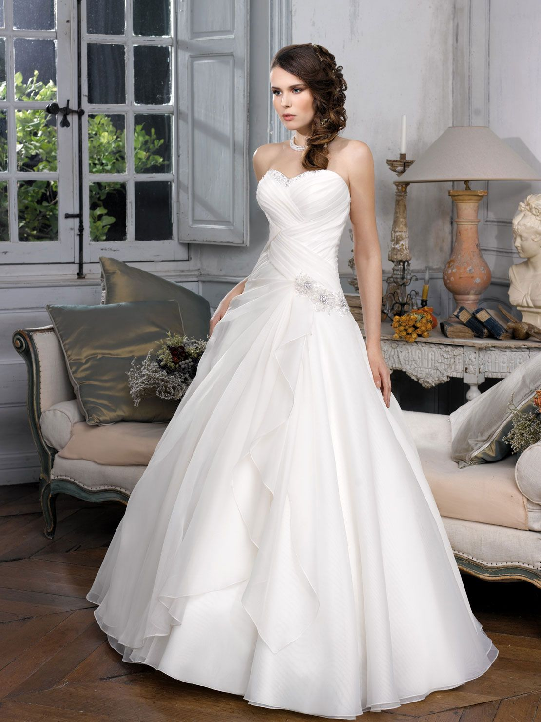 Ecru wedding dress  Collections   Robes mariées  Pinterest  Unique weddings