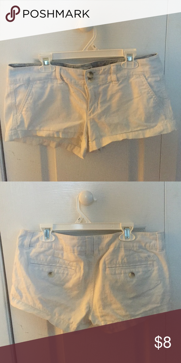 White summer jean shorts ! White jean shorts , that stretch American Eagle Outfitters Shorts Jean Shorts