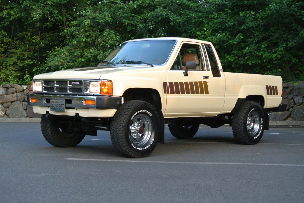 85 Toyota 4x4 One Day I M Gonna Have A Black One Just Like Marty