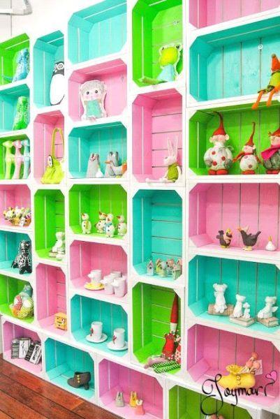 Huacales decorados cajas decoradas pinterest cuarto - Estanterias para habitacion nina ...