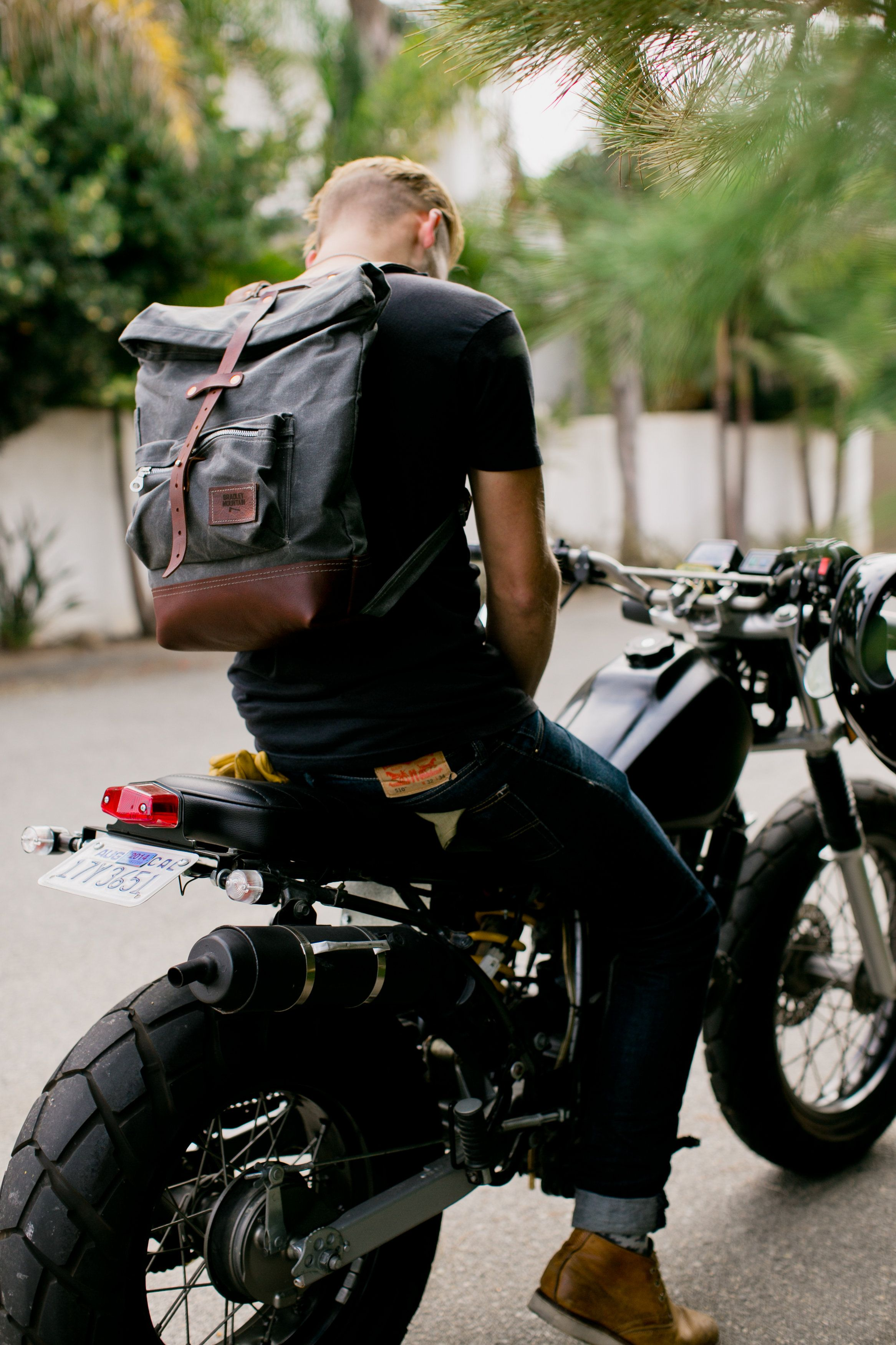 canvas and leather backpack // gift ideas for men
