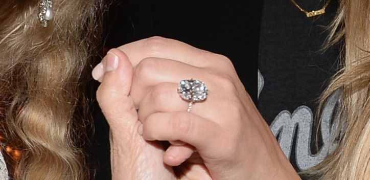 Kim Kardashianu0027s Engagement Ring From Kanye West; New Pictures
