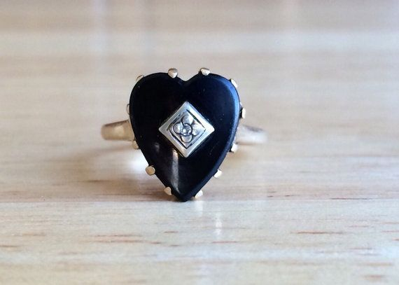 Vintage 10kt Yellow Gold yx Diamond Accent Heart Ring Size 5 3