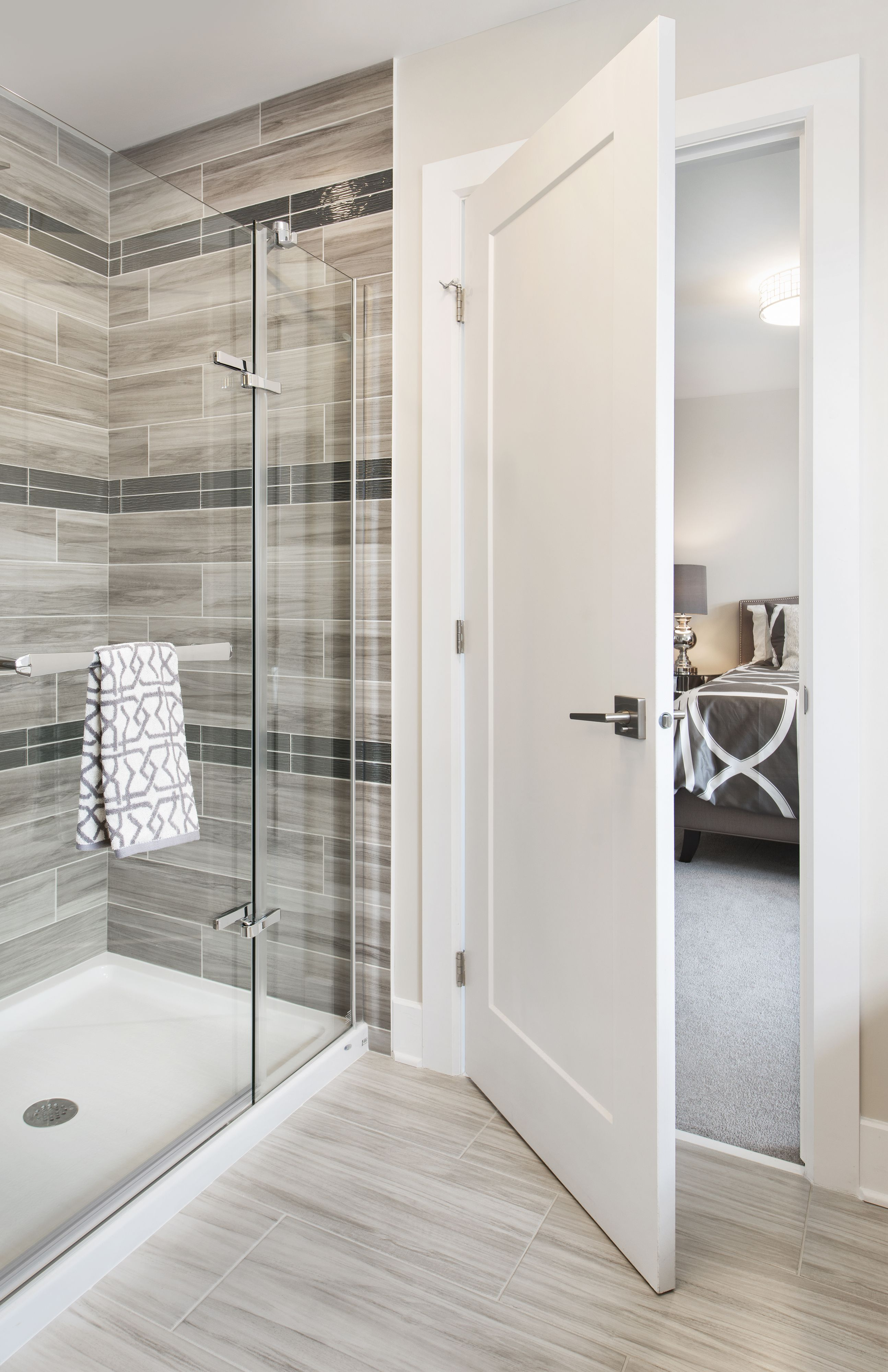 This is the ensuite bathroom in the Lakefield model home at Tartan\'s ...