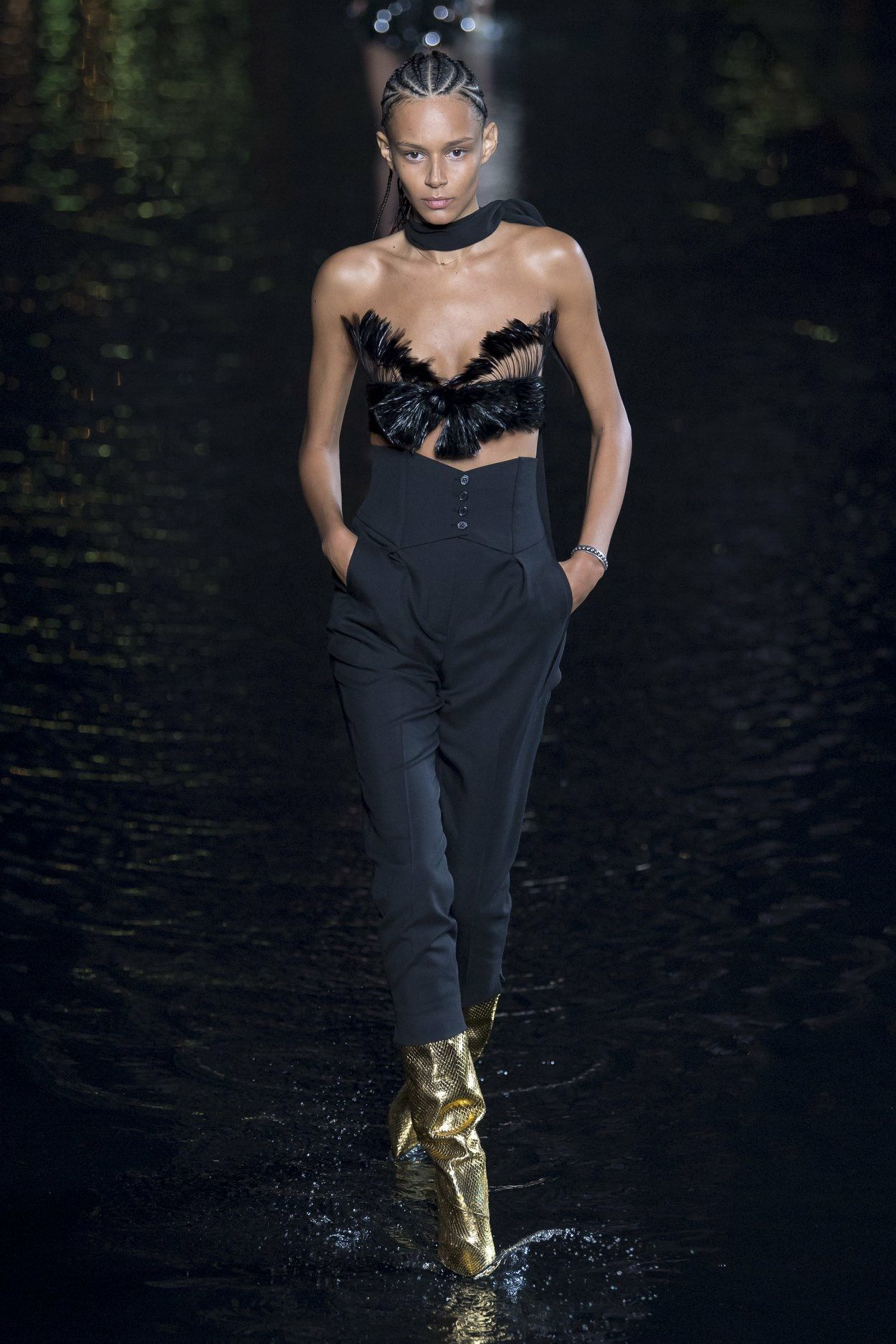 b44ca6859a5 YSL-SAINT LAURENT SS19 | runway in 2019 | Spring fashion outfits ...