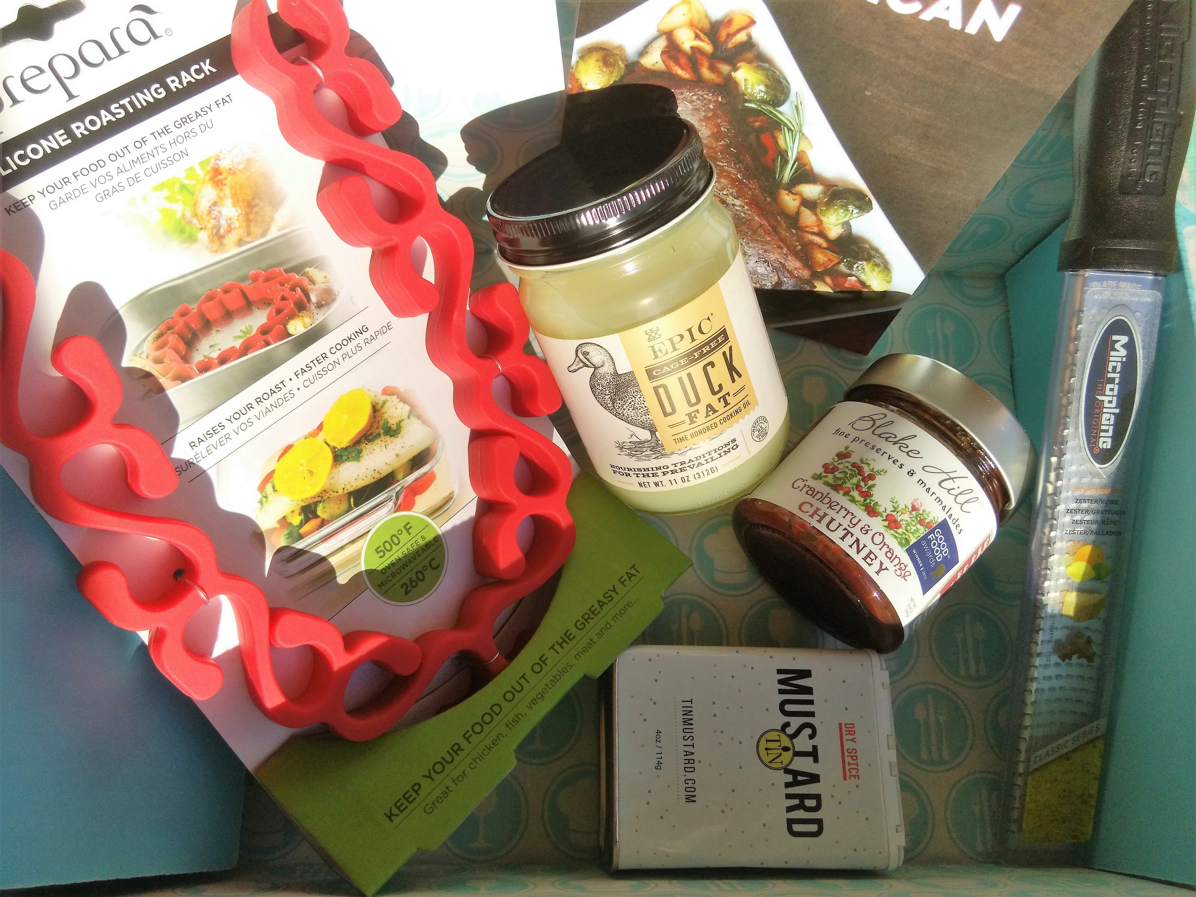 Here's our review of the November 2016 Hamptons Lane New American-themed box! Use our coupon code to save $10 off your first month!     November 2016 Hamptons Lane Subscription Box Review & Coupon: New American Box →  https://hellosubscription.com/2016/12/november-2016-hamptons-lane-subscription-box-review-coupon-new-american-box/ #HamptonsLane  #subscriptionbox
