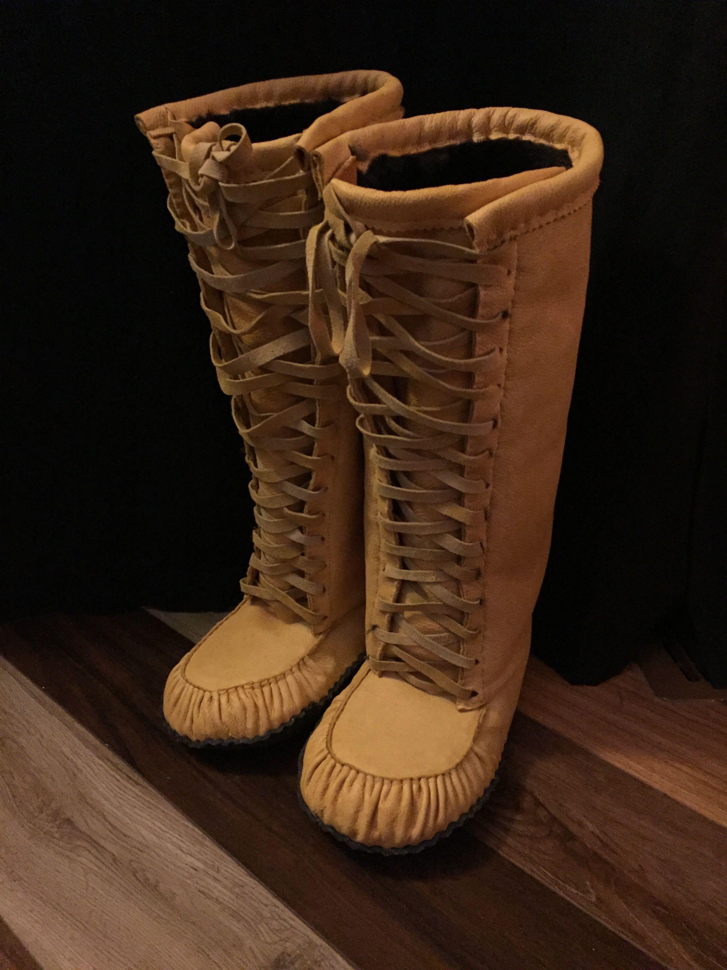 24c14cc473dc9 Men's elk hide lace up mukluk | Native american clothing | Moccasin ...