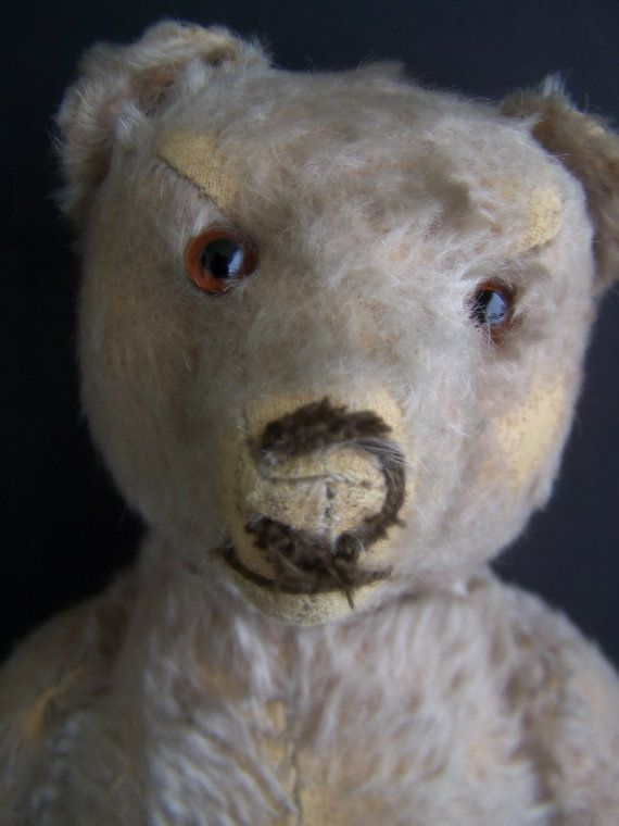 Antique Toys , 1920's Steiff Growler Bear , Well loved with Condition Issues