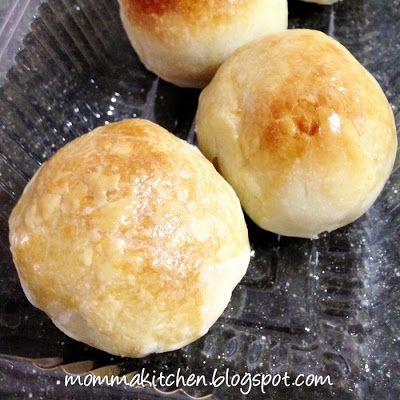 ♥ Momma Kitchen ♥: Mung Bean Pastry • Tau Sar Piah • 豆沙饼 ...