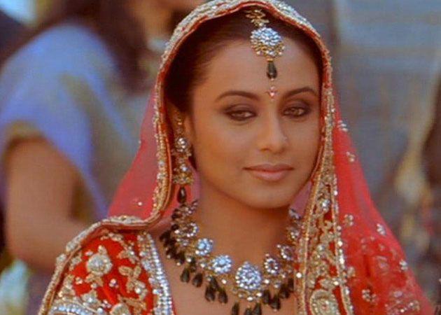 Rani Mukerji Sabyasachi Designed My Wedding Outfit Rani Mukerji Indian Bride Indian Celebrities