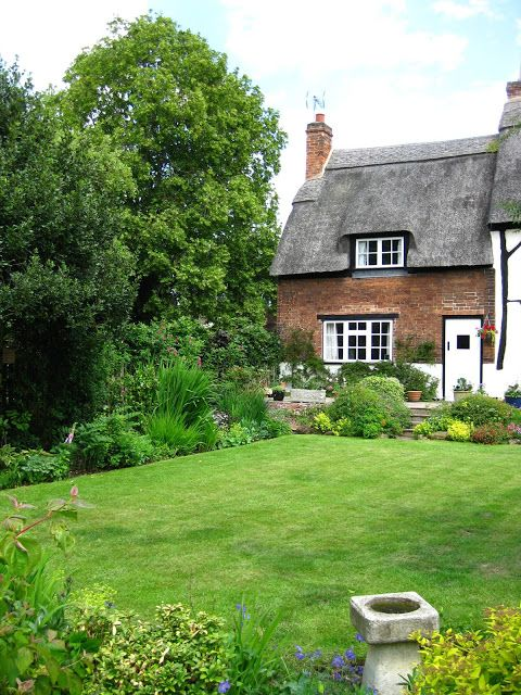 adorable English cottage gardens .. Bunny Mummy