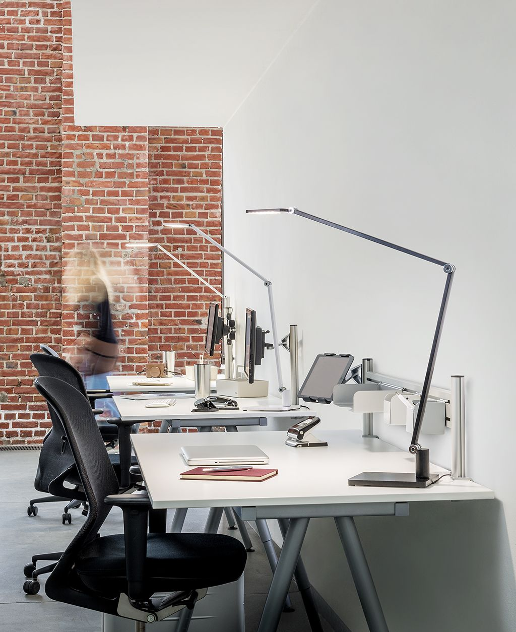 Attenzia Task Led Lighting From Novus Get Focused With 742 Lumens Of Clear White Light That Reduces Eye Strain And I Led Lights Office Design Office Lighting