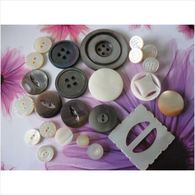 vintage mother of pearl buttons with detail & carved buckle on eBid United Kingdom
