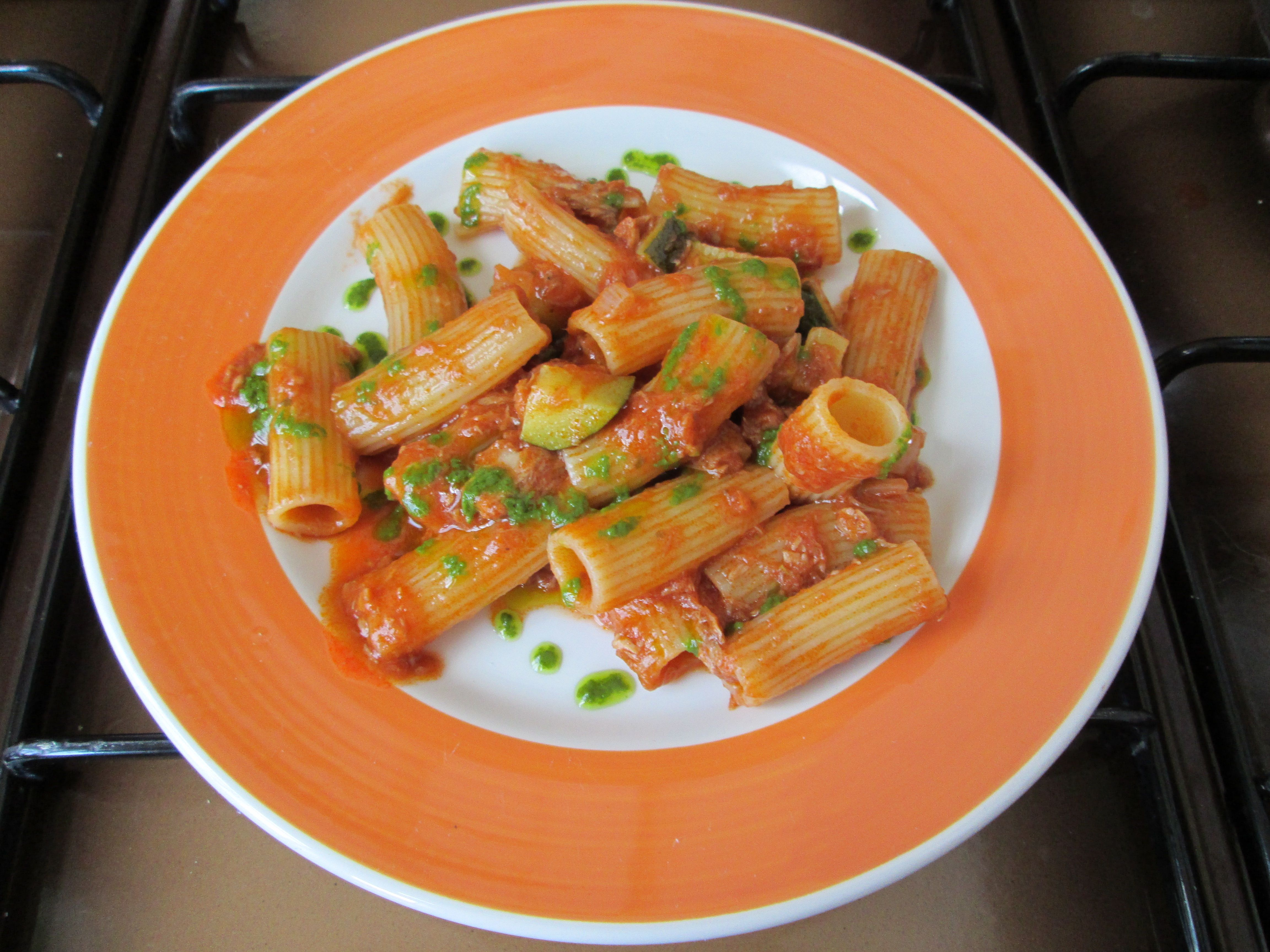 Pasta Rigatoni Thon Capres Tomate Et Basilique Gino D Aquino