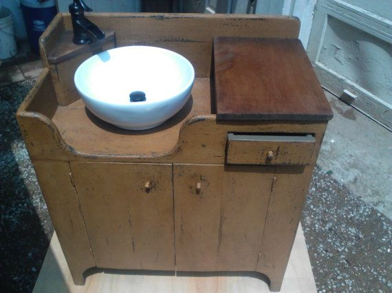 Primitive Dry Sink With Functioning Faucet Dry Sink Primitive Bathrooms Primitive Decorating Country