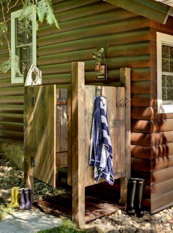 Sichtschutz Fur Gartendusche 35 Tolle Beispiele Gartendusche Rustikale Dusche Aussengestaltung