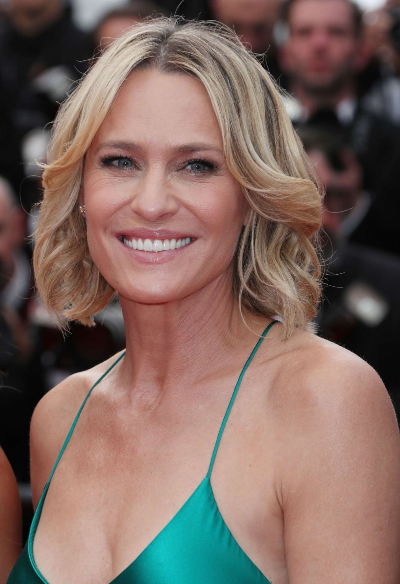 35 Best Hairstyles For Women Over 50