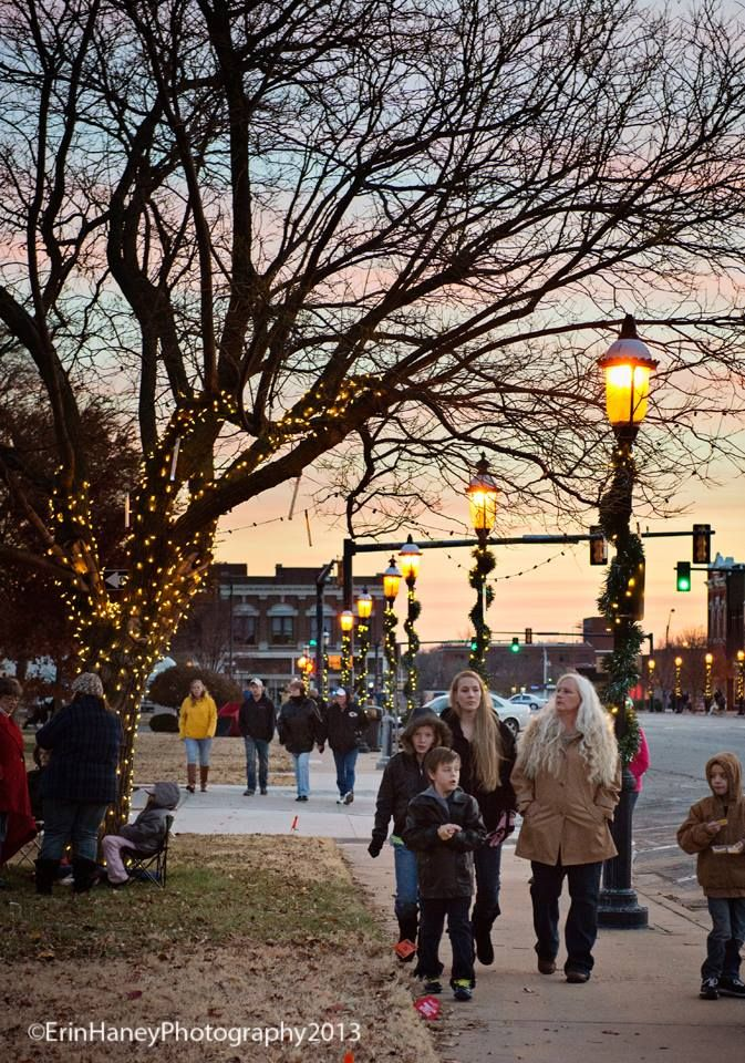 Downtown Holiday Event Lighting Light Up Holidays Events