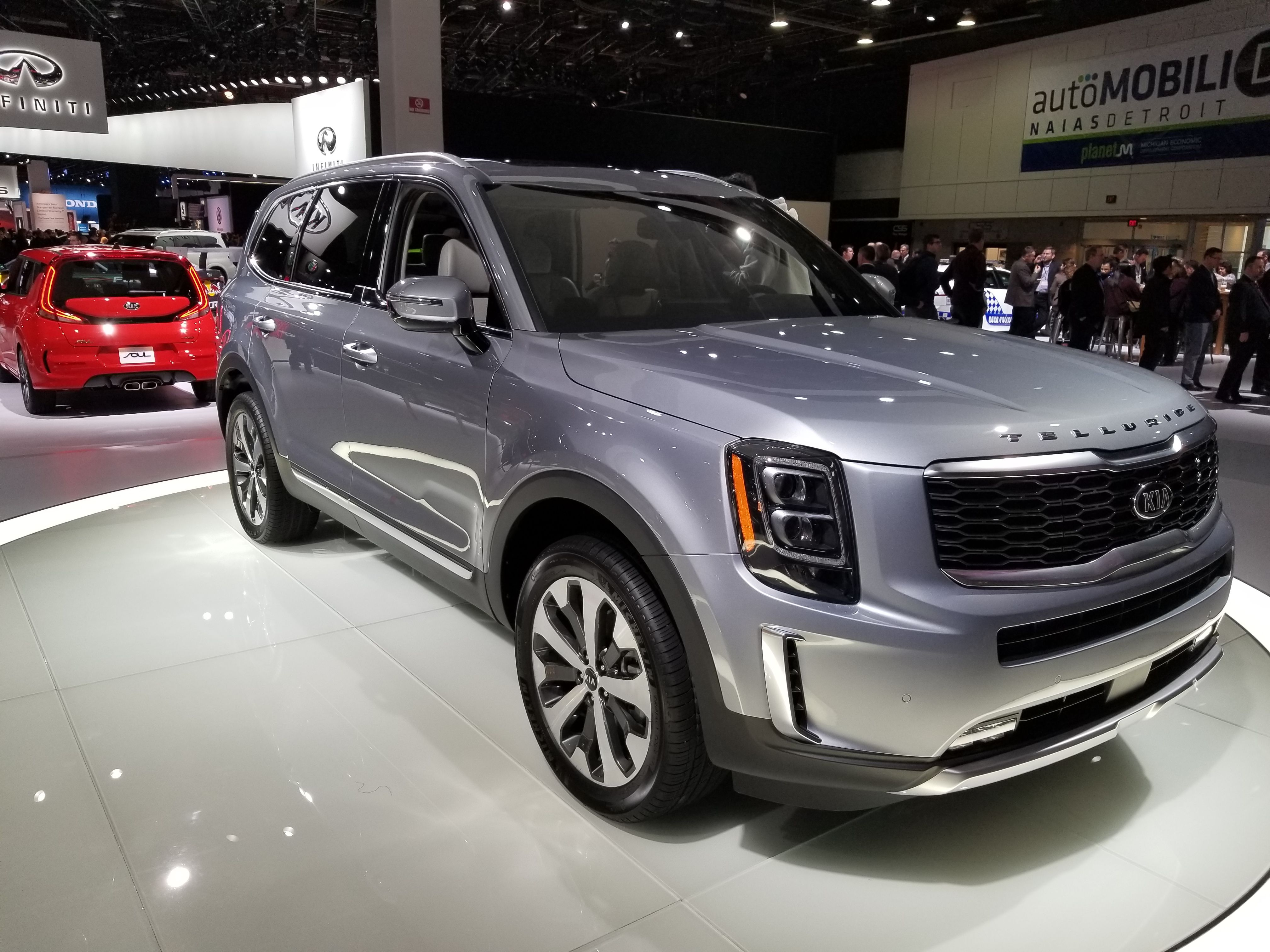 Kia telluride finally shows its production form in detroit also best images rh pinterest