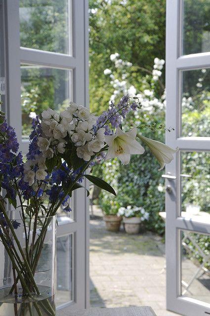 Pingl par landalouse sur portes et fen tres fleuries for Fenetre secrete