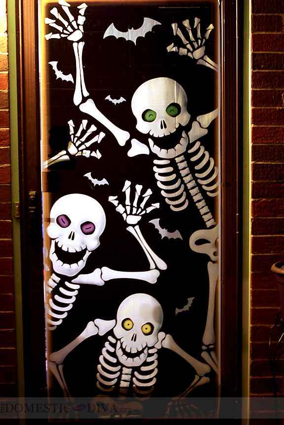 10 Ways to Decorate your Door for Halloween