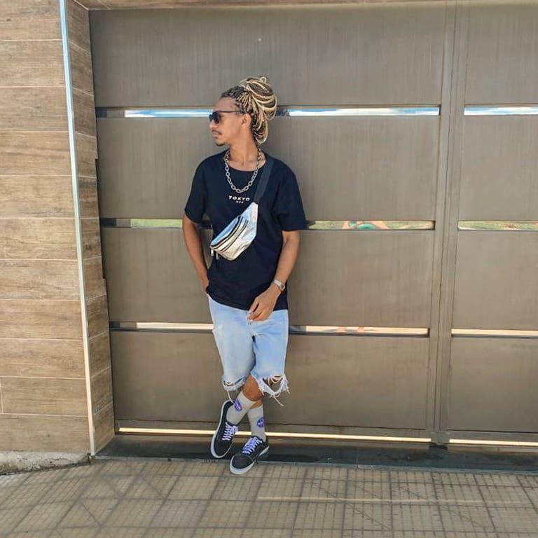 """Paulo H ⚓️ on Instagram: """"🦂 Se a oportunidade não bateu ainda, construa uma nova porta ✌️🤗 . . . . . . . . . . . . . . #boanoite #look #tbt #fds #modaparahomens…"""""""